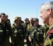 Benny Gantz rend visite à des soldats dans le sud du pays