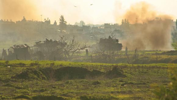 Des soldats israéliens pris pour cible près de la bande de Gaza