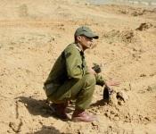 Un soldat près de la frontière égyptienne