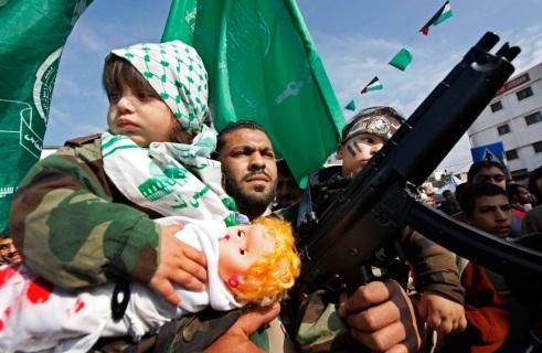 Les boucliers humains des terroristes de Gaza