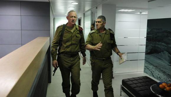 Le Chef d'État-major Benny Gantz et le Général Tal Russo