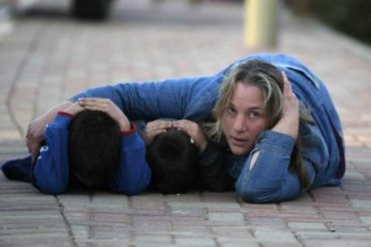 Pendant Plomb Durci, quelques secondes avant l'impact d'une roquette sur le sud d'Israël
