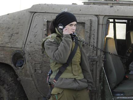 Bereket Shamai, capitaine d'une batterie d'un système de lancement de roquettes.