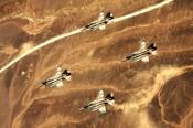 Les pilotes de Tsahal survolent Israël et le désert du Néguev.