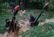 Des terroristes du Hamas s'apprêtent à tirer des roquettes sur Israël depuis Gaza